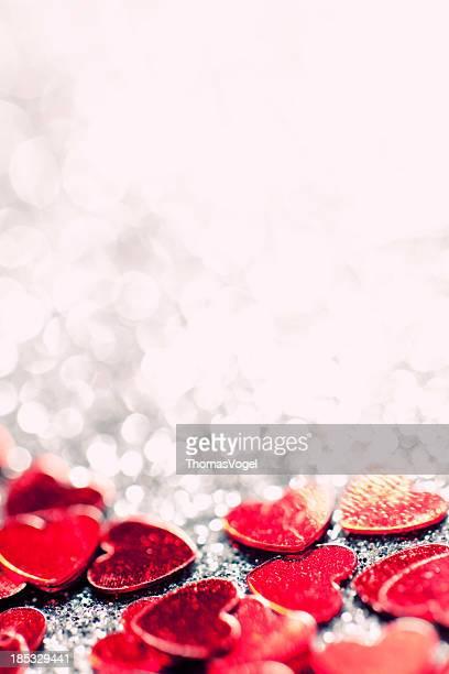 Desfocado luzes brilhantes corações de Dia dos Namorados Amor