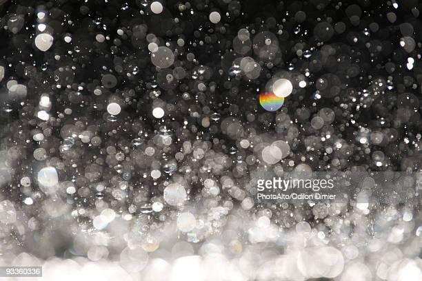 Defocused water droplets