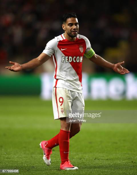 A dejected Radamel Falcao Garcia of AS Monaco looks on during the UEFA Champions League Semi Final first leg match between AS Monaco v Juventus at...
