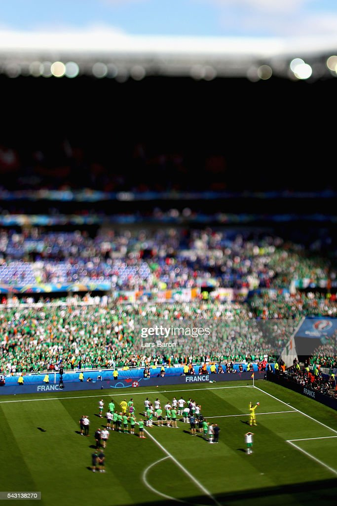Dejected Republic of Ireland players applaud their supporters after their team's 1-2 defeat in the UEFA EURO 2016 round of 16 match between France and Republic of Ireland at Stade des Lumieres on June 26, 2016 in Lyon, France.