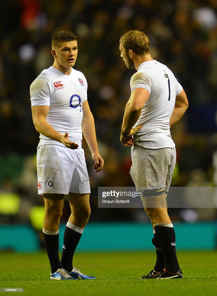 Dejected teammates <a gi-track='captionPersonalityLinkClicked' href=/galleries/search?phrase=Owen+Farrell&family=editorial&specificpeople=4809668 ng-click='$event.stopPropagation()'>Owen Farrell</a> talks with captain <a gi-track='captionPersonalityLinkClicked' href=/galleries/search?phrase=Chris+Robshaw&family=editorial&specificpeople=2375303 ng-click='$event.stopPropagation()'>Chris Robshaw</a> after their defeat in the QBE International match between England and South Africa at Twickenham Stadium on November 24, 2012 in London, England.