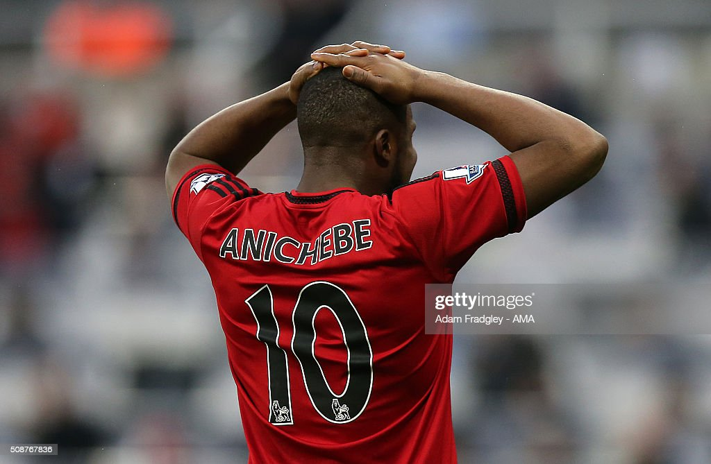 A dejected <a gi-track='captionPersonalityLinkClicked' href=/galleries/search?phrase=Victor+Anichebe&family=editorial&specificpeople=740464 ng-click='$event.stopPropagation()'>Victor Anichebe</a> of West Bromwich Albion puts his hands on his head after a goal scoring chance is wasted during the Barclays Premier League match between Newcastle United and West Bromwich Albion at St. James Park on February 06, 2016 in Newcastle-upon-Tyne, England.