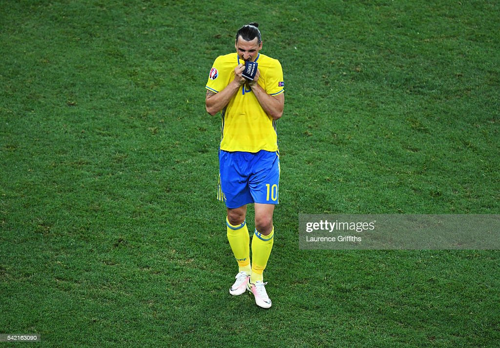 A dejected <a gi-track='captionPersonalityLinkClicked' href=/galleries/search?phrase=Zlatan+Ibrahimovic&family=editorial&specificpeople=206139 ng-click='$event.stopPropagation()'>Zlatan Ibrahimovic</a> of Sweden leaves the field after defeat in the UEFA EURO 2016 Group E match between Sweden and Belgium at Allianz Riviera Stadium on June 22, 2016 in Nice, France.