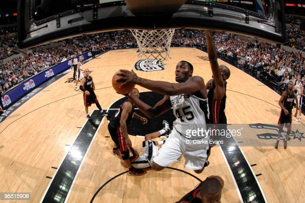 DeJuan Blair of the San Antonio Spurs shoots against the Miami Heat on December 31 2009 at the ATT Center in San Antonio Texas NOTE TO USER User...