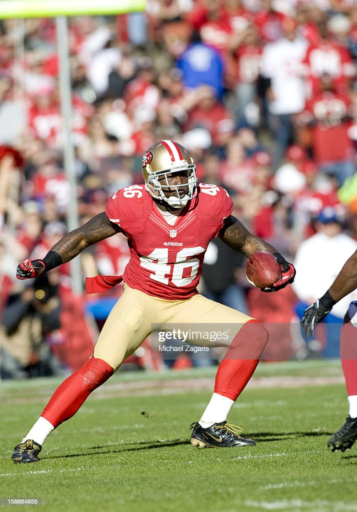 Delanie Walker #46 of the San Francisco 49ers runs after making a reception during the game against the Arizona Cardinals at Candlestick Park on December 30, 2012 in San Francisco, California. The 49ers defeated the Cardinals 27-13.