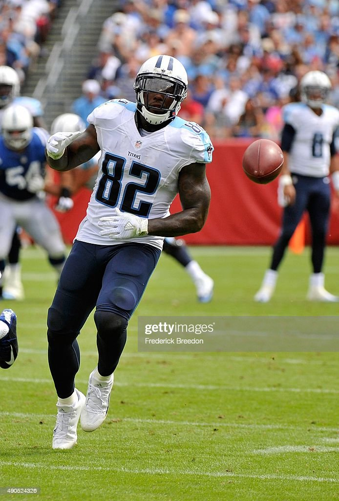 Delanie Walker of the Tennessee Titans wathces a ball fly out of his reach against the Indianapolis Colts at Nissan Stadium on September 27 2015 in...