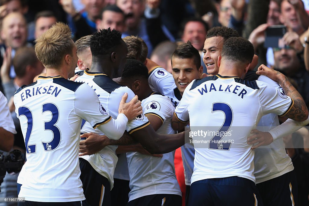 Image result for tottenham team celebration 2016/17