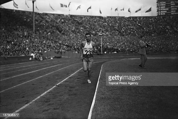 Delfo Cabrera of Argentina on his way to a gold medal in the marathon at the Olympic Games Wembley Stadium London 7th August 1948