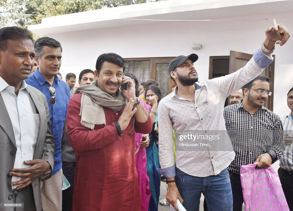 Delhi BJP President and North East Delhi MP Manoj Tiwari and Outer Delhi MP Udit Raj along with other leaders during the set-up of election special office for civil elections 2017, at Delhi BJP Office on March 20, 2017 in New Delhi, India.