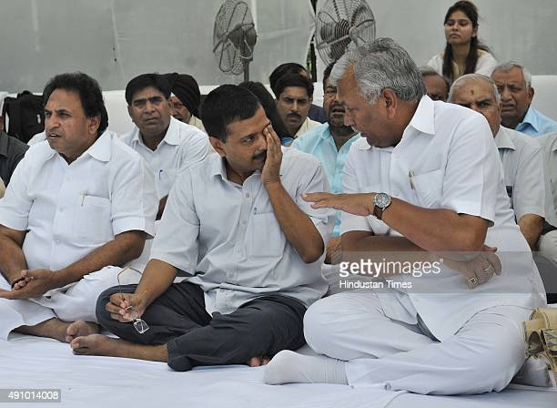 Delhi Chief Minister Arvind Kejriwal and Speaker of the Assembly Ram Niwas Goel during the 111th birth anniversary of Former Prime Minister Lal...