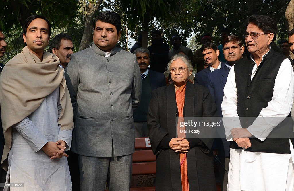 Delhi Chief Minister Sheila Dikshit, MoS for Home RPN Singh and Police Commissioner Neeraj Kumar during cremation of constable Subhash Chand Tomar in New Delhi on Tuesday. Tomar died at a hospital on Tuesday after sustaining injuries during Sunday's massive protest against gangrape case.