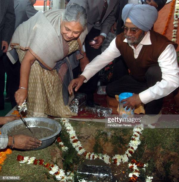 Delhi Chief Minister Shiela Dikshit laying foundation stone for Integrated Multilevel parking at Baba Kharak Singh Marg in New Delhi on Wednesday...