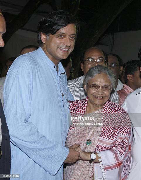 Delhi CM Sheila Dikshit and Kerala MP Shashi Tharoor at Shahnawaz Hussain's Iftar party