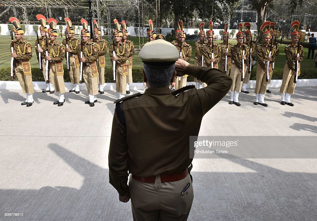Delhi Police Commissioner BS Bassi taking gaurd of honour after inaugurating Academy for Smart Policing on February 12, 2016 in New Delhi, India.