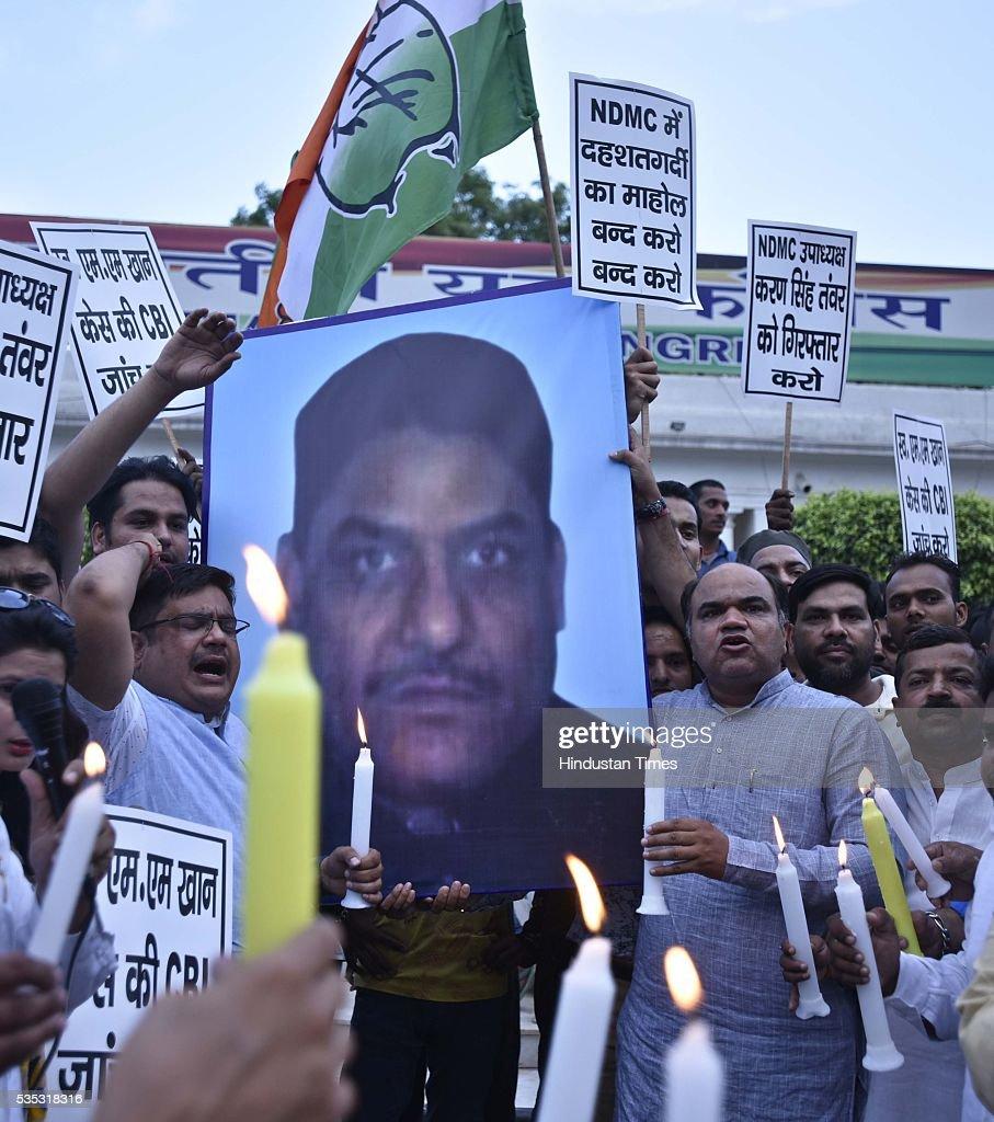 Delhi Pradesh Youth Congress workers candle-march against Ex-MLA and NDMC Vice President Karan Singh Tanwar at IYC Office (5, Raisina Road), on May 29, 2016 in New Delhi, India.