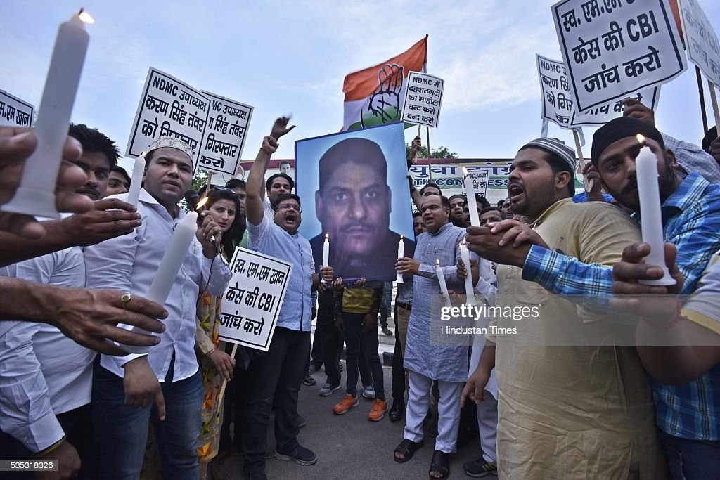 Delhi Pradesh Youth Congress workers candle-march against Ex-MLA and NDMC Vice President Karan Singh Tanwar at IYC Office (5, Raisina Road), on May 29, 2016 in New Delhi, India.
