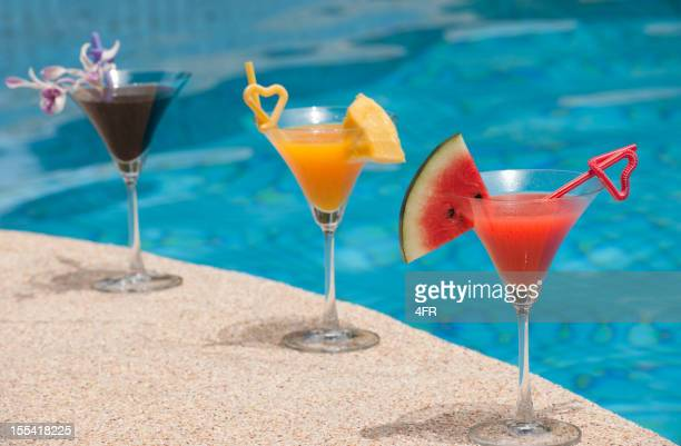 Köstliche Cocktails am Swimmingpool (XXXL)