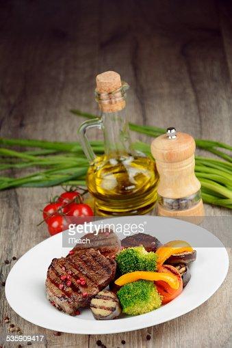 Deliziosa steakes manzo alla griglia : Foto stock