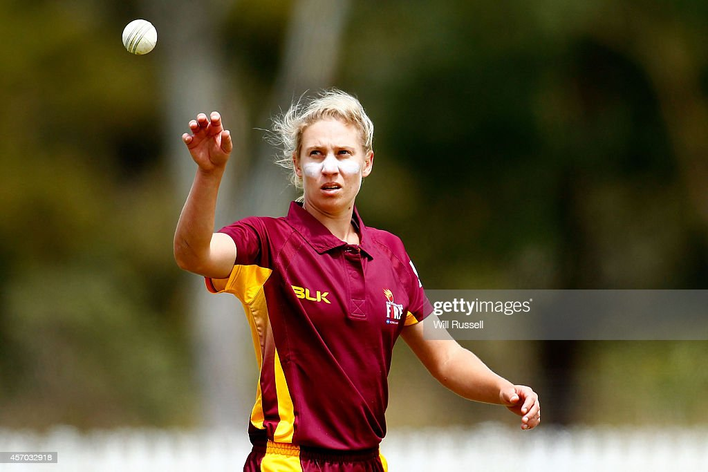 Delissa Kimmince of The Queensland Fire prepares to bowl during the WNCL match between Western Australia and Queensland at Murdoch Uni on October 11...