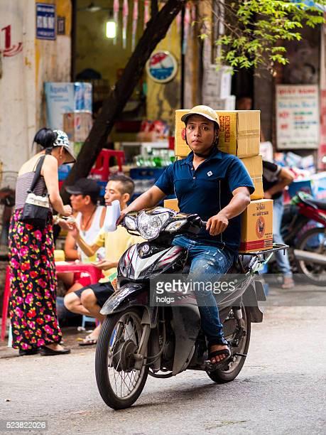Livraison homme à Hanoï, Viêt Nam