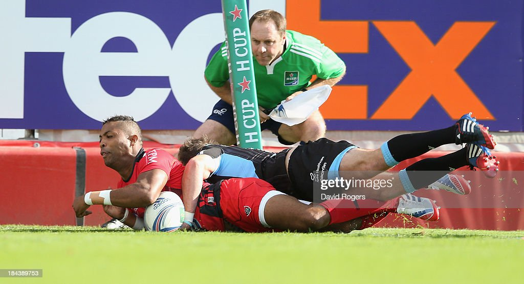 <a gi-track='captionPersonalityLinkClicked' href=/galleries/search?phrase=Delon+Armitage&family=editorial&specificpeople=556925 ng-click='$event.stopPropagation()'>Delon Armitage</a> of Toulon dives over for the first try during the Heineken Cup Pool 2 match between Toulon and Glasgow Warriors at the Felix Mayol Stadium on October 13, 2013 in Toulon, France.