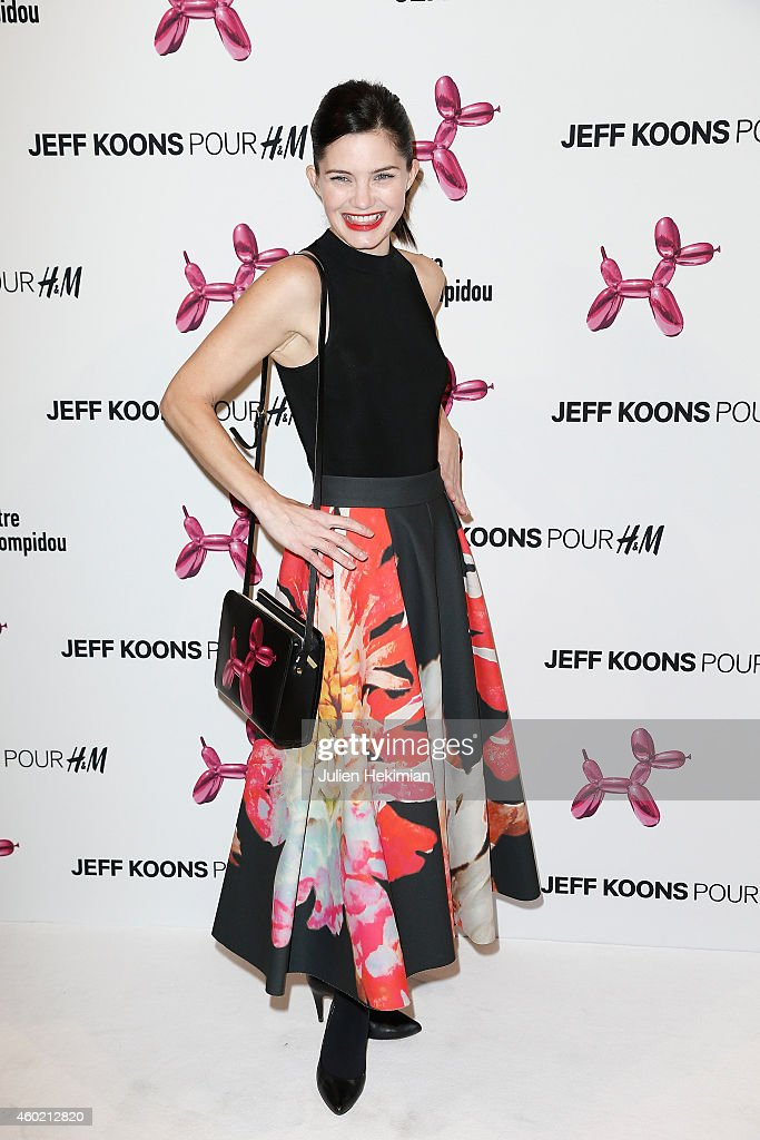 'Fashion Loves Art'- Cocktail Event Hosted By H&M  : Photocall