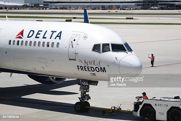 Delta airlines plane is seen on the tarmac of the Fort LauderdaleHollywood International Airport on July 14 2016 in Fort Lauderdale Florida Delta Air...