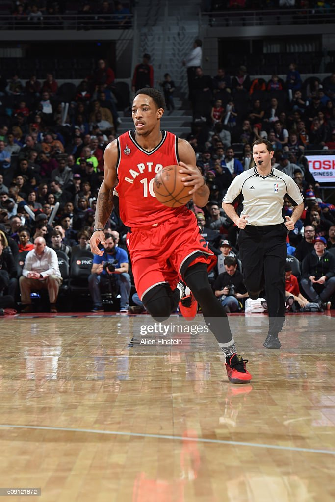 DeMar DeRozan #10 of the Toronto Raptors brings the ball up court against the Detroit Pistons on February 8, 2016 at The Palace of Auburn Hills in Auburn Hills, Michigan.