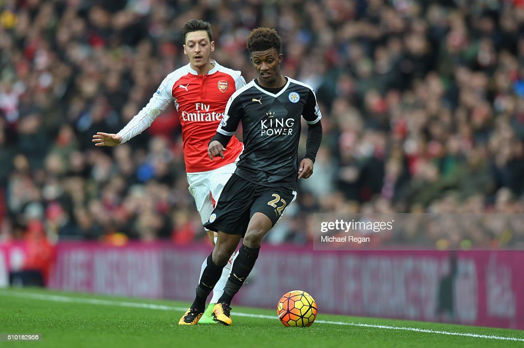 <a gi-track='captionPersonalityLinkClicked' href=/galleries/search?phrase=Demarai+Gray&family=editorial&specificpeople=10515774 ng-click='$event.stopPropagation()'>Demarai Gray</a> of Leicester City and Mesut Ozil of Arsenal in action during the Barclays Premier League match between Arsenal and Leicester City at the Emirates Stadium.