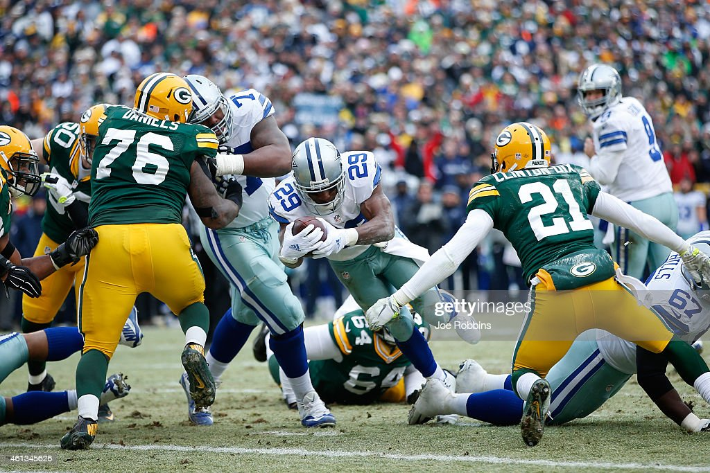 DeMarco Murray of the Dallas Cowboys scores a touchdown in the third quarter against the Green Bay Packers during the 2015 NFC Divisional Playoff...