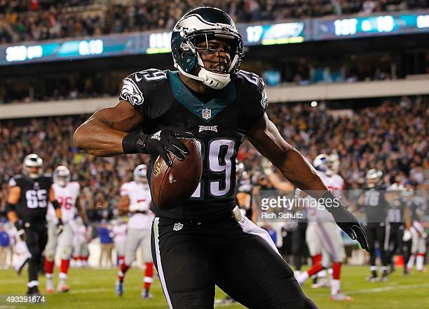 DeMarco Murray of the Philadelphia Eagles celebrates his third quarter touchdown against the New York Giants at Lincoln Financial Field on October 19...
