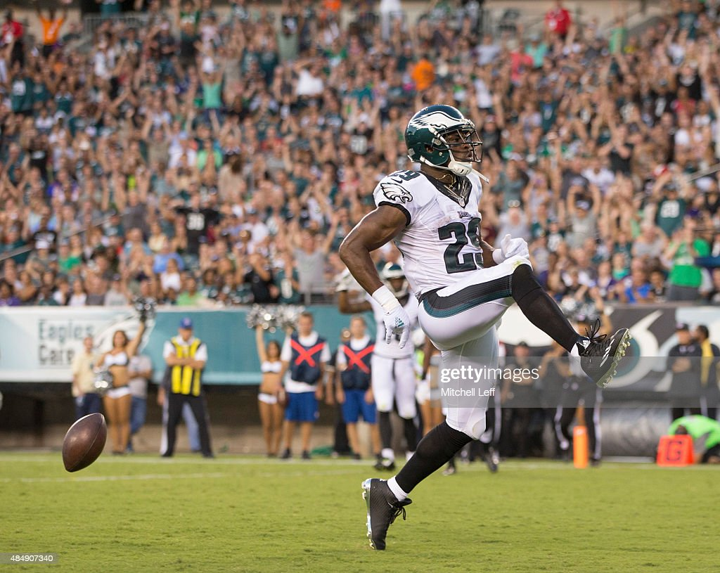 DeMarco Murray of the Philadelphia Eagles scores a touchdown in the first quarter against the Baltimore Ravens on August 22 2015 at Lincoln Financial...