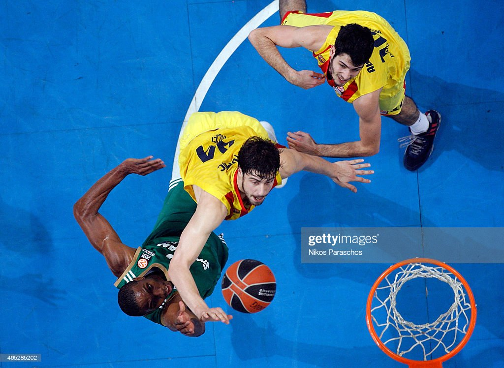 DeMarcus Nelson, #10 of Panathinaikos Athens competes with Ante Tomic, #44 of FC Barcelona during the Turkish Airlines Euroleague Basketball Top 16 Date 9 game between Panathinaikos Athens v FC Barcelona at Olympic Sports Center Athens on March 5, 2015 in Athens, Greece.