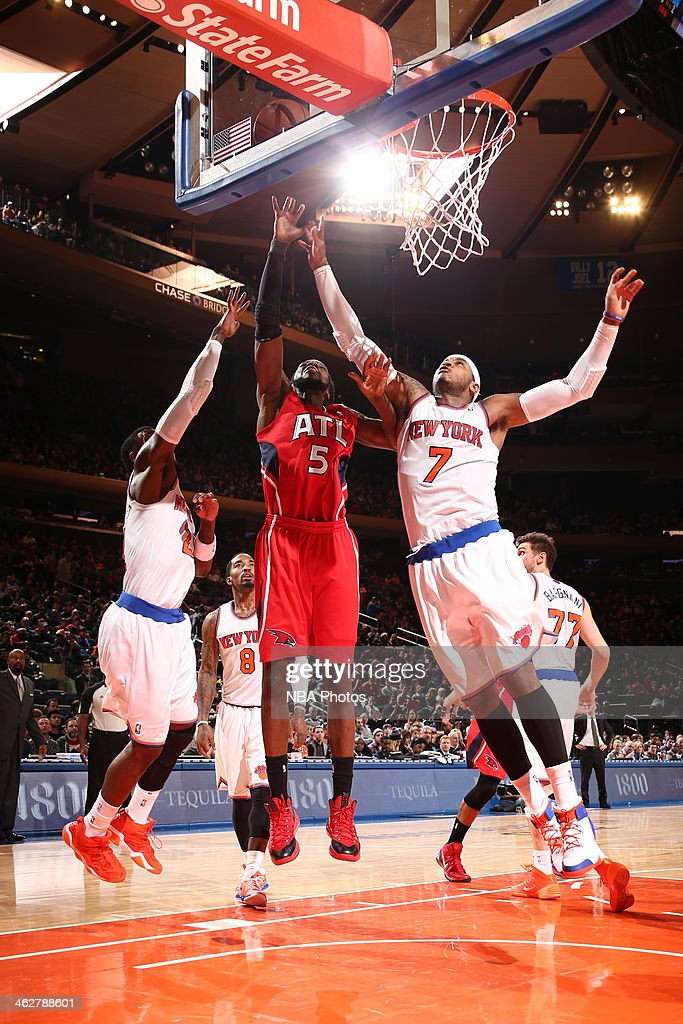 DeMarre Carroll #5 of the Atlanta Hawks drives to the basket against the New York Knicks during a game at Madison Square Garden in New York City.