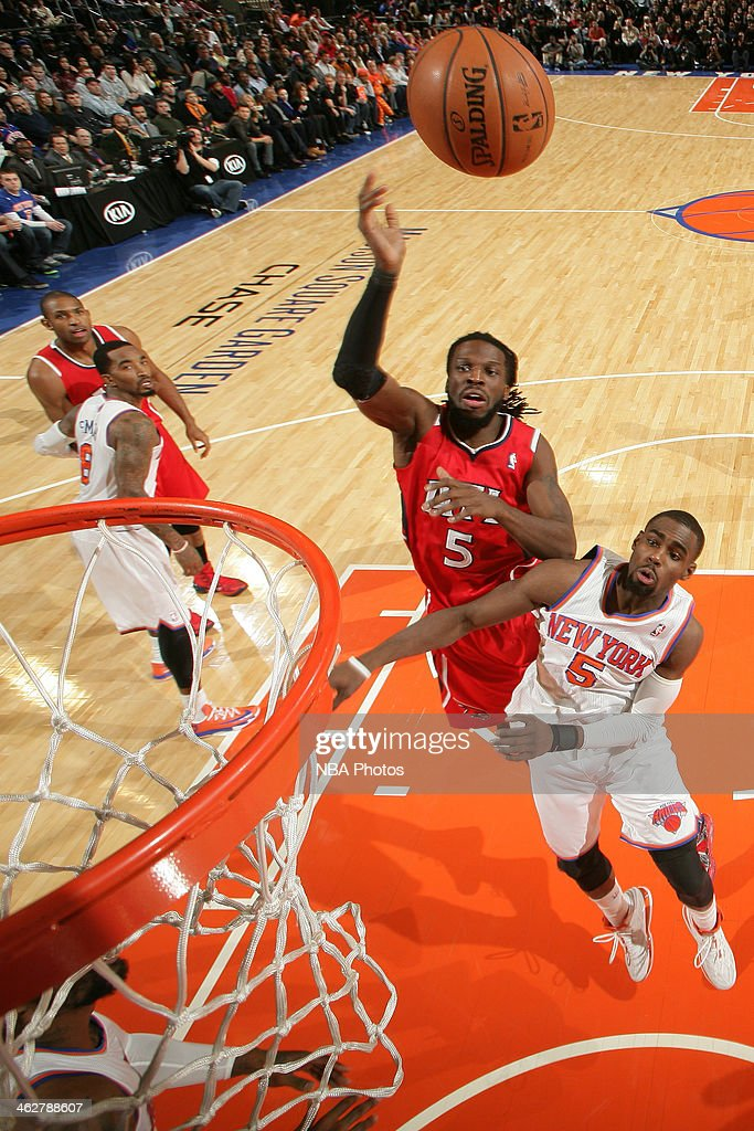 DeMarre Carroll #5 of the Atlanta Hawks shoots the ball against the New York Knicks during a game at Madison Square Garden in New York City.