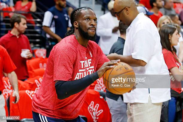 DeMarre Carroll of the Atlanta Hawks warms up prior to Game Two of the Eastern Conference Finals of the 2015 NBA Playoffs against the Cleveland...