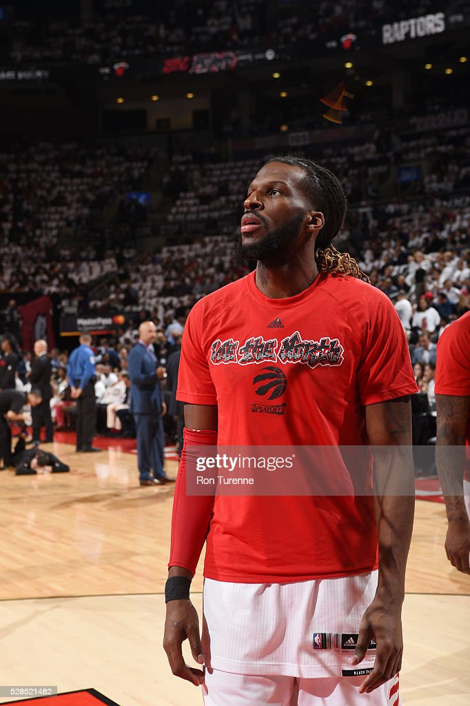 <a gi-track='captionPersonalityLinkClicked' href=/galleries/search?phrase=DeMarre+Carroll&family=editorial&specificpeople=784686 ng-click='$event.stopPropagation()'>DeMarre Carroll</a> #5 of the Toronto Raptors warms up before the game against the Memphis Grizzlies in Game Two of the Eastern Conference Semifinals on May 5, 2016 at the Air Canada Centre in Toronto, Ontario, Canada.