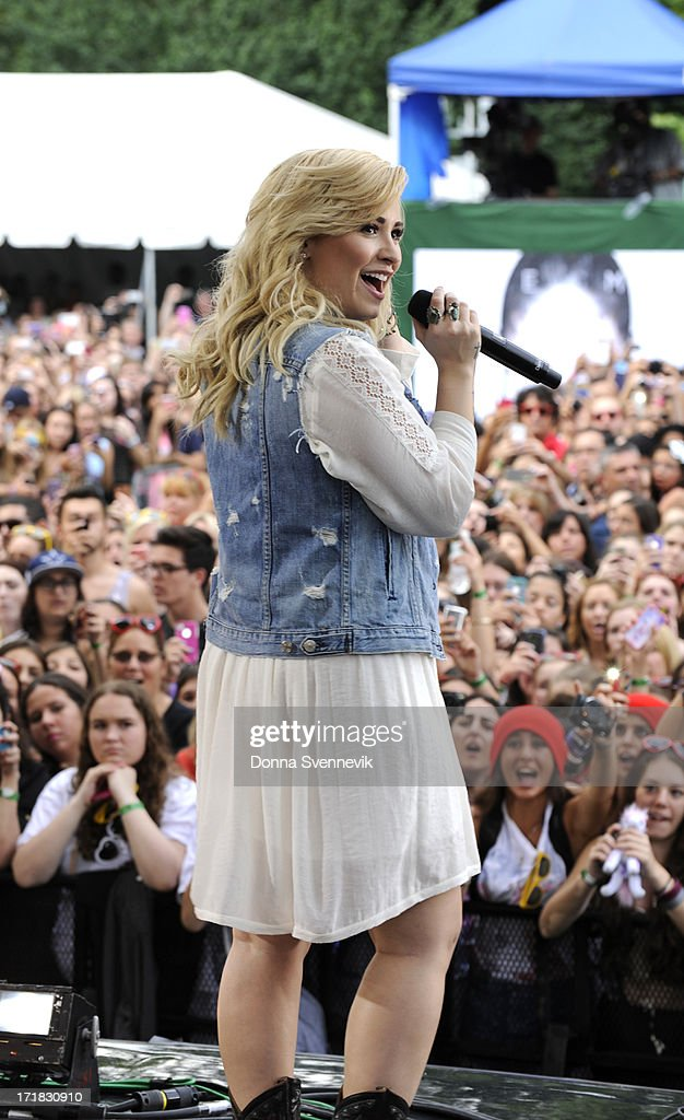 AMERICA - Demi Lovato performs live from Central Park on 'Good Morning America,' 6/28/13, airing on the ABC Television Network. (Photo by Donna Svennevik/ABC via Getty Images) DEMI LOVATO