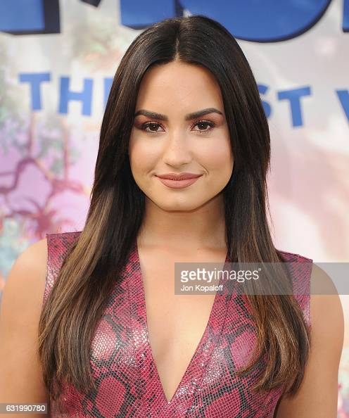 Demi Lovato poses at the Photo Call For Sony Pictures Releasing's 'Smurfs The Lost Village' at Sony Pictures Studios on January 18 2017 in Culver...