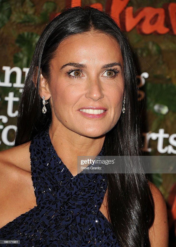 Demi Moore arrives at the Wallis Annenberg Center For The Performing Arts Inaugural Gala at Wallis Annenberg Center for the Performing Arts on October 17, 2013 in Beverly Hills, California.