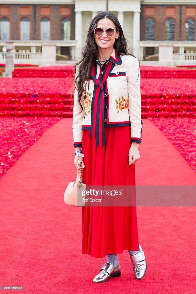 Demi Moore attends Chelsea Flower Show press day at Royal Hospital Chelsea on May 23 2016 in London England The prestigious gardening show features...