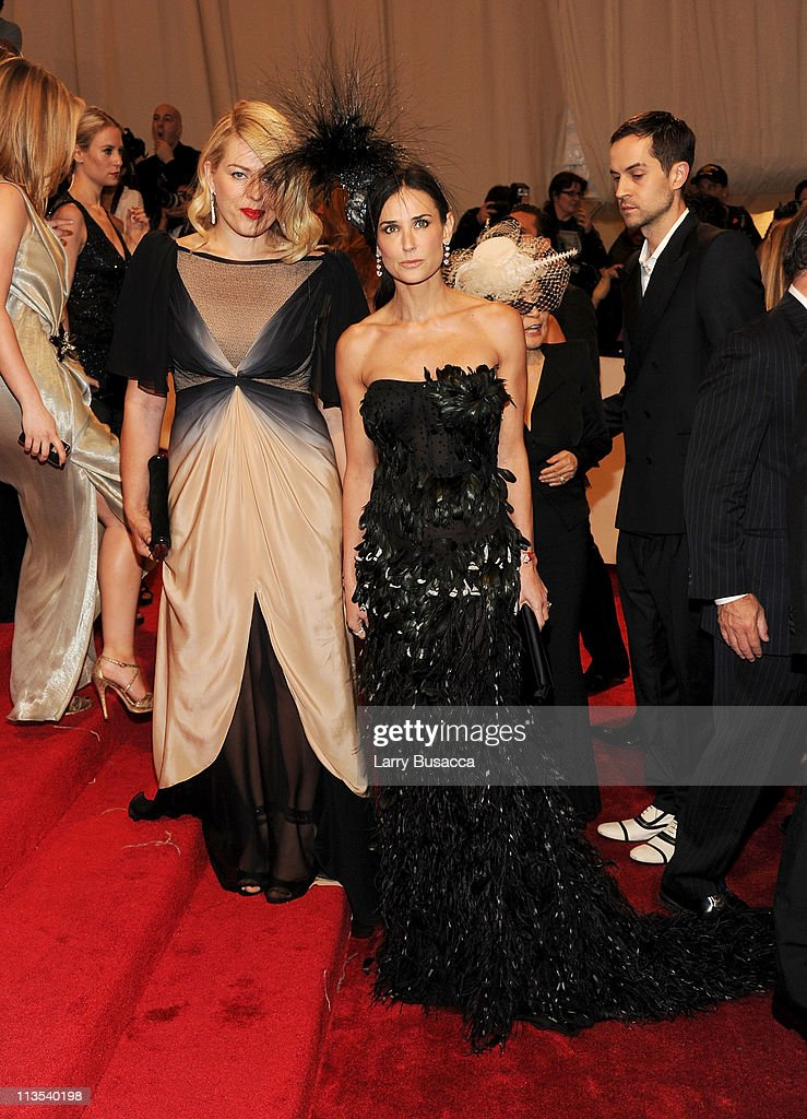 <a gi-track='captionPersonalityLinkClicked' href=/galleries/search?phrase=Demi+Moore&family=editorial&specificpeople=202121 ng-click='$event.stopPropagation()'>Demi Moore</a> attends the 'Alexander McQueen: Savage Beauty' Costume Institute Gala at The Metropolitan Museum of Art on May 2, 2011 in New York City.
