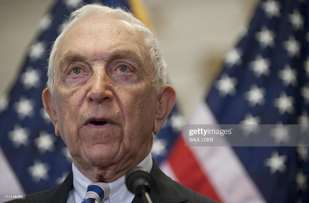 US Democrat Senator Frank Lautenberg (L) of New Jersey speaks about new legislation curbing gun violence during a press conference with Former White House Press Secretary Jim Brady on Capitol Hill in Washington, DC, March 30, 2011. Brady was shot by John Hinkley, Jr, during his attempt to assassinate former US President Ronald Reagan on March 30, 1981. AFP PHOTO / Saul LOEB