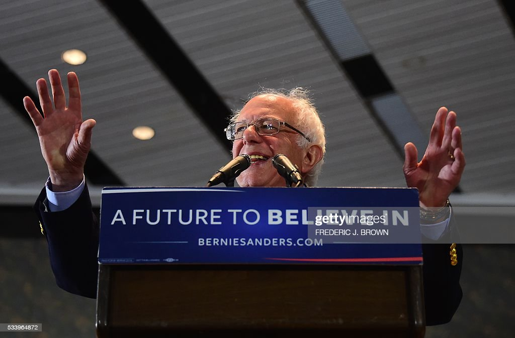 Democratic candidate Bernie Sanders addresses his supporters at a rally in Anaheim, California on May 24, 2016. / AFP / FREDERIC