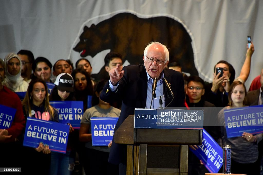 Democratic candidate Bernie Sanders speaking at a rally in Anaheim, California on May 24, 2016. / AFP / FREDERIC