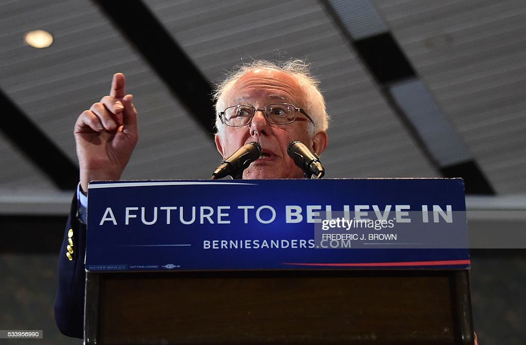 Democratic candidate Bernie Sanders speaks during a rally in Anaheim, California on May 24, 2016, ahead of the June 7 California vote. / AFP / FREDERIC
