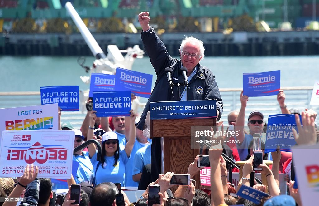 Democratic Party candidate Bernie Sanders speaks on May 27, 2016 in the San Pedro port district of Los Angeles, California, ahead of the June 7 California vote. / AFP / FREDERIC