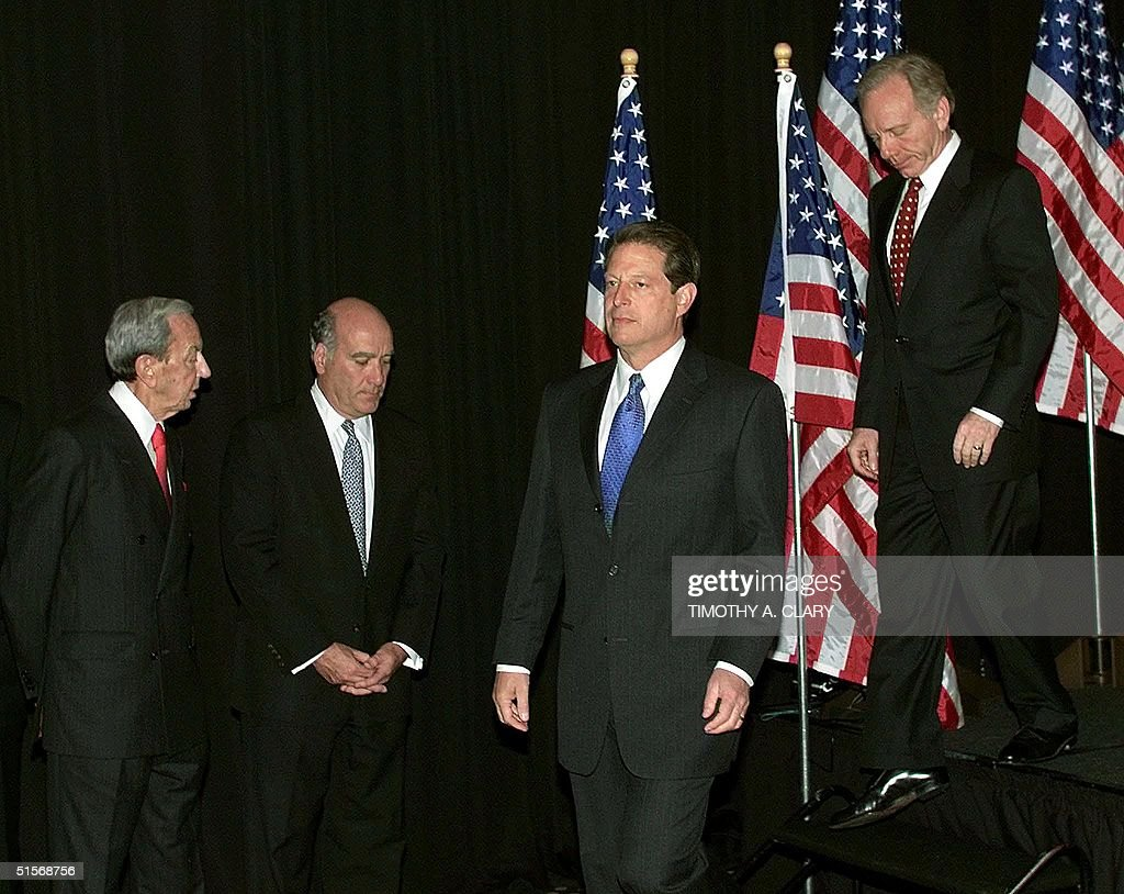 a comparison of presidental candidates al gore and george w bush Can you please tell me what are the strengths and weaknesses of al gore and george bush most qualified presidental candidate george w bush jr, intend to.