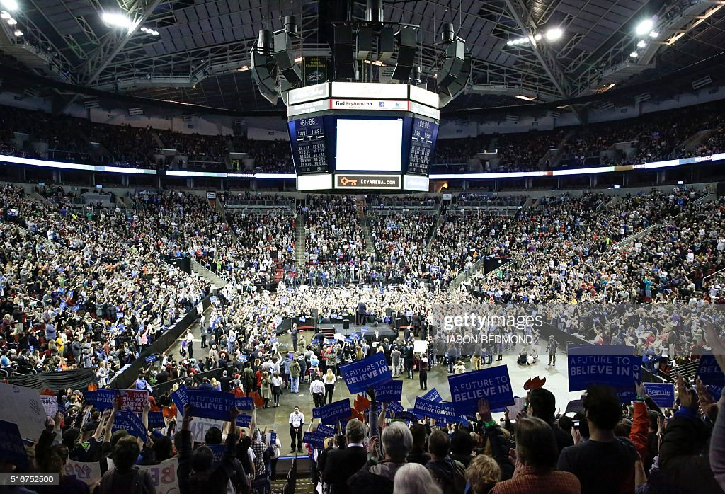 Democratic presidential candidate Bernie Sanders holds a rally at Key Arena on March 20 2016 in Seattle / AFP / Jason Redmond