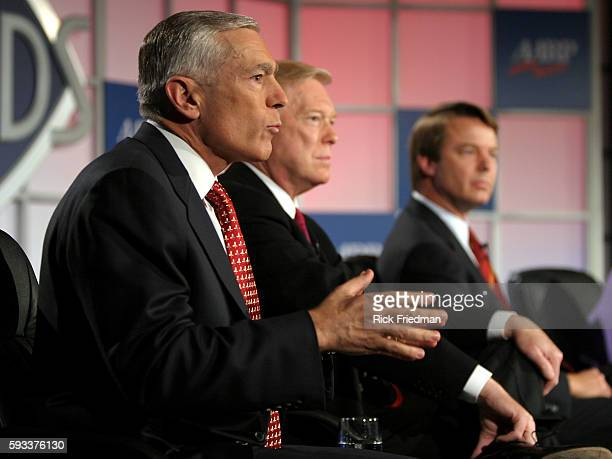 Democratic Presidential Candidate Forum at the Wayfarer Inn in Bedford New Hampshire Former General Wesley Clark speaks as former House Majority...